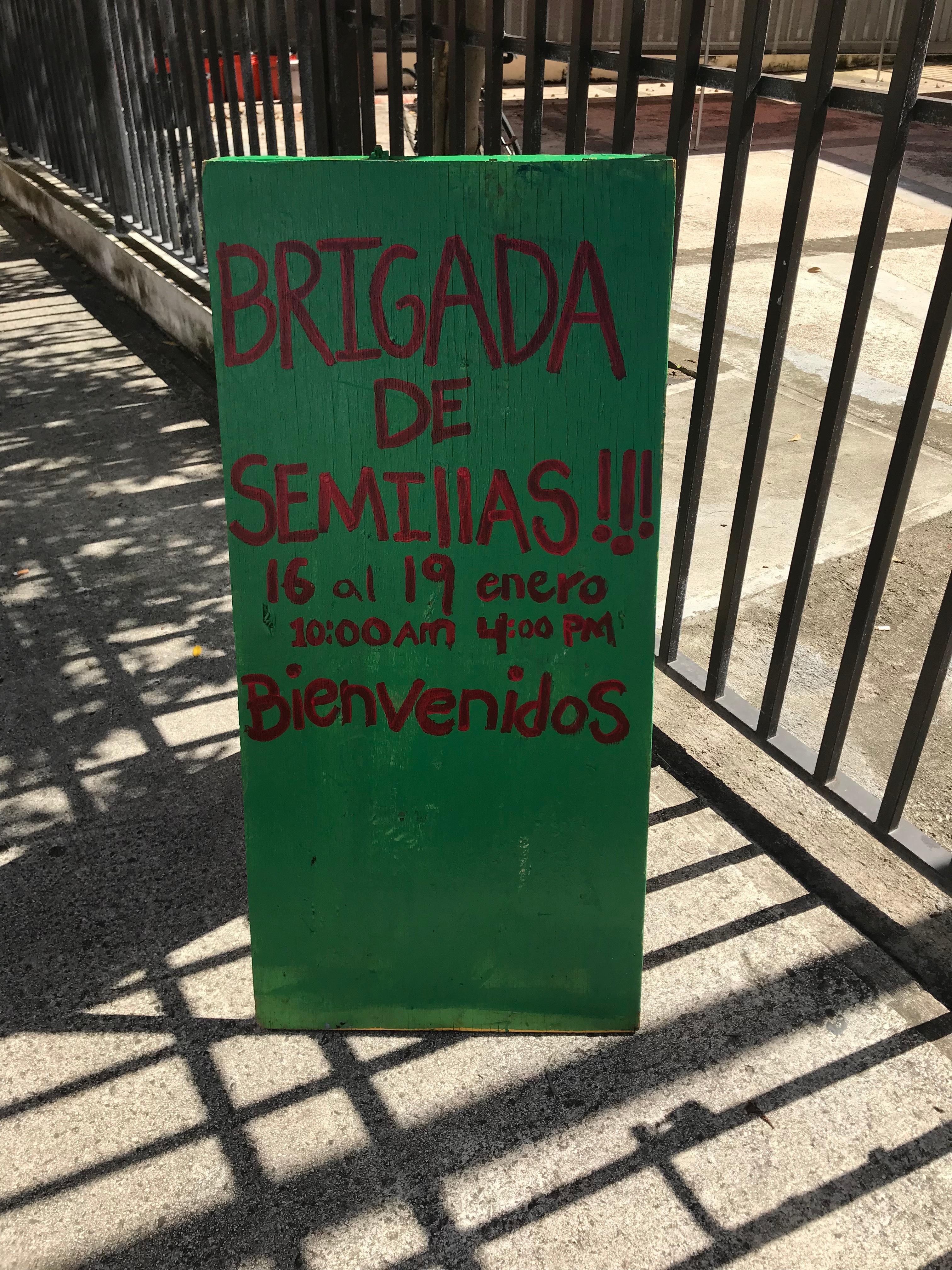 """""""Brigadas de Semillas"""" Sign"""