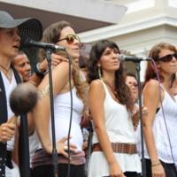 Singing Bomba